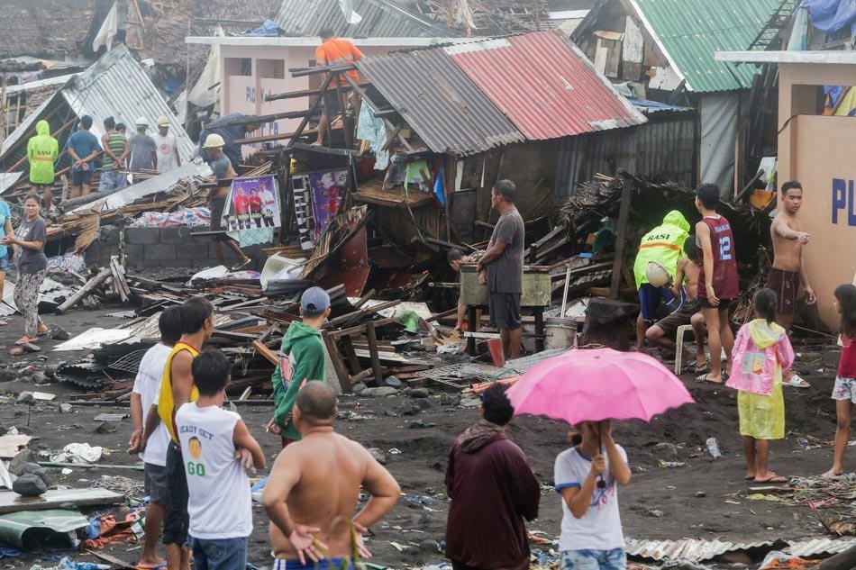 Migliaia di senza tetti dopo il passaggio del tifone Tisoy in Filippine